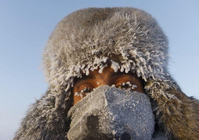 Turista proveniente dagli Emirati Arabi a Ojmjakon, nell'est della Siberia