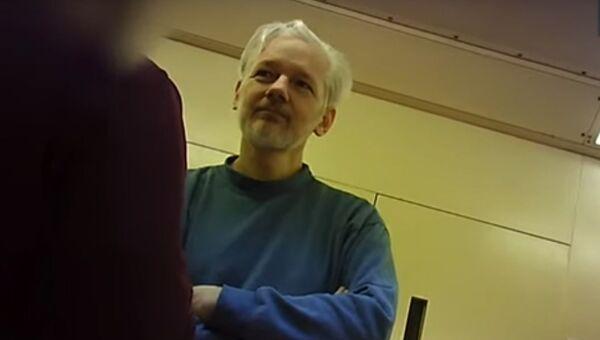 Julian Assange in carcere - Sputnik Italia