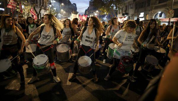 La manifestazione contro la violenza di genere a Buenos Aires, Argentina. - Sputnik Italia