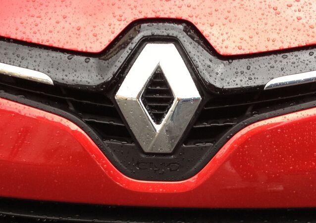 Renault - stemma su Clio