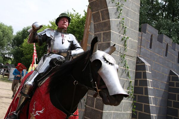 Uno dei cavalieri partecipanti al Torneo Medievale di San Giorgio - Sputnik Italia