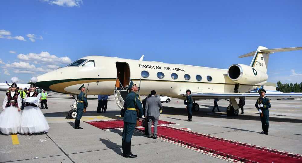 Il primo ministro del Pakistan Imran Khan ha effettuato il viaggio da Islamabad a Bishkek a bordo di un business jet Gulfstream 450