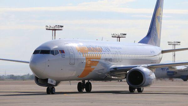 Invitato a Bishkek in qualità di capo di stato di un paese osservatore della SCO, il presidente della Mongolia Khaltmaagiin Battulga ha effettuato il volo da Ulan Bator a Bishkek a bordo di un Boeing 737-800 della Mongolian Airlines  - Sputnik Italia