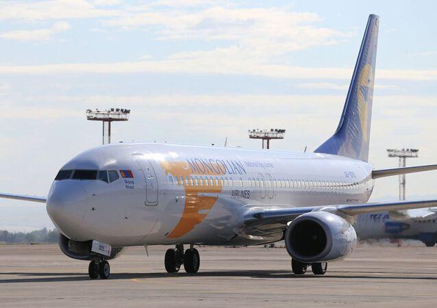 nvitato a Bishkek in qualità di capo di stato di un paese osservatore della SCO, il presidente della Mongolia Khaltmaagiin Battulga ha effettuato il volo da Ulan Bator a Bishkek a bordo di un Boeing 737-800 della Mongolian Airlines