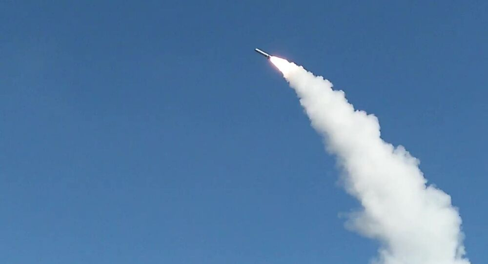 Lancio del missile Iskander-M al poligono di Astrakhan
