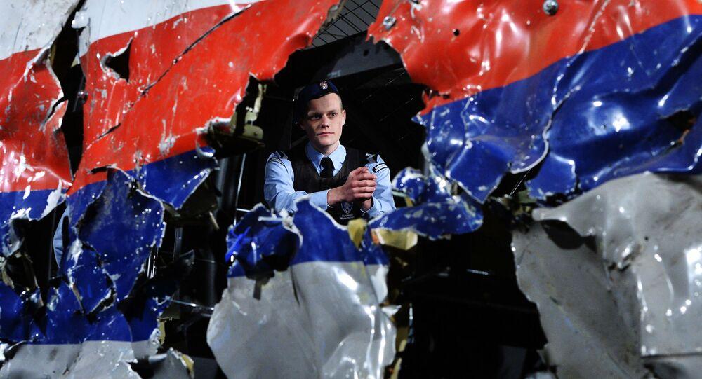 Ricostruzione del disastro del Boeing 777 Malaysia Airlines (volo MH17) nel Donbass il 17 luglio 2014