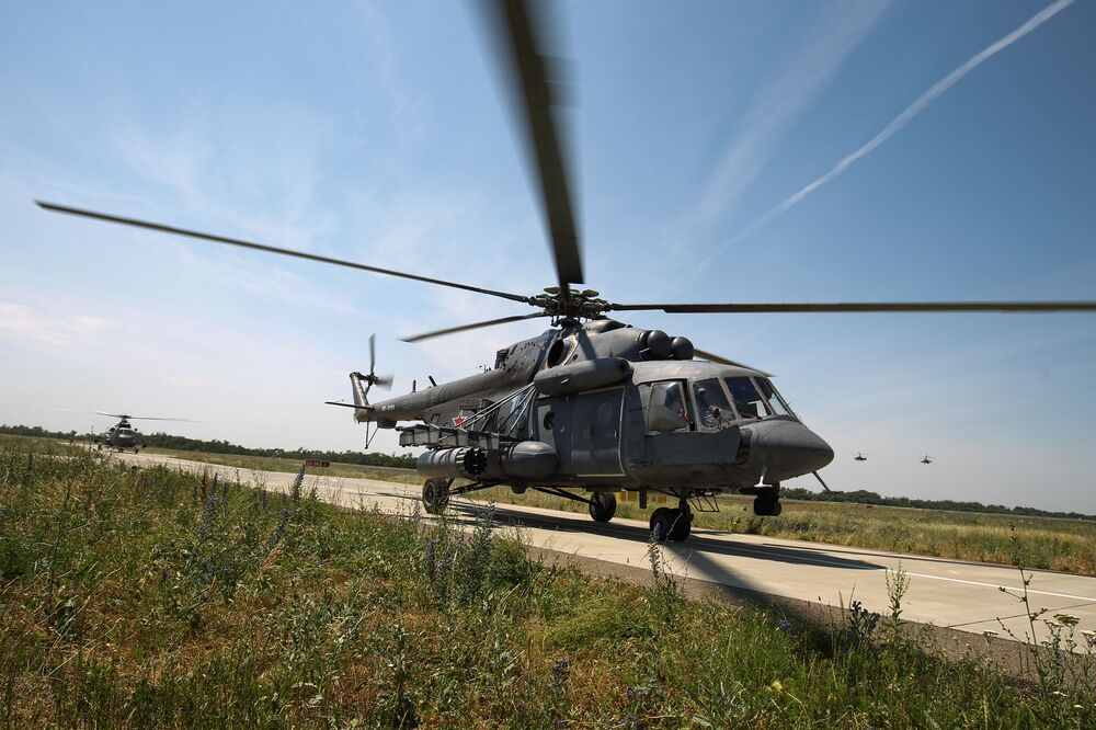 L'atterraggio di un elicottero MI-8