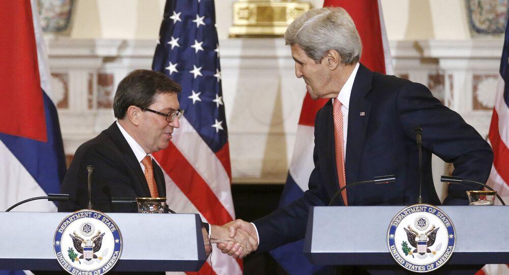 Ministro degli Esteri cubano Bruno Eduardo Rodriguez Parilla e John Kerry