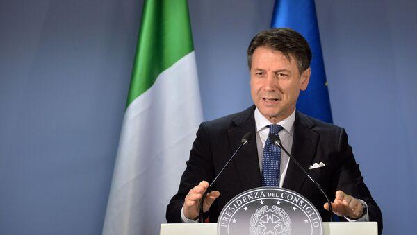 Giuseppe Conte interviene al vertice a Bruxelles - Sputnik Italia