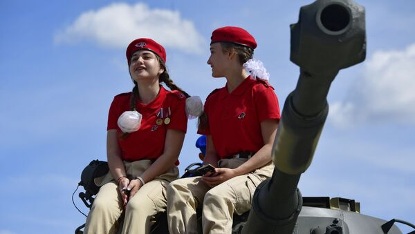 I membri del movimento Esercito Giovane al forum militare-tecnico internazionale Armiya-2019. - Sputnik Italia