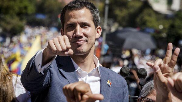 Il leader dell'opposizione venezuelana Juan Guaidó durante una manifestazione a Caracas - Sputnik Italia