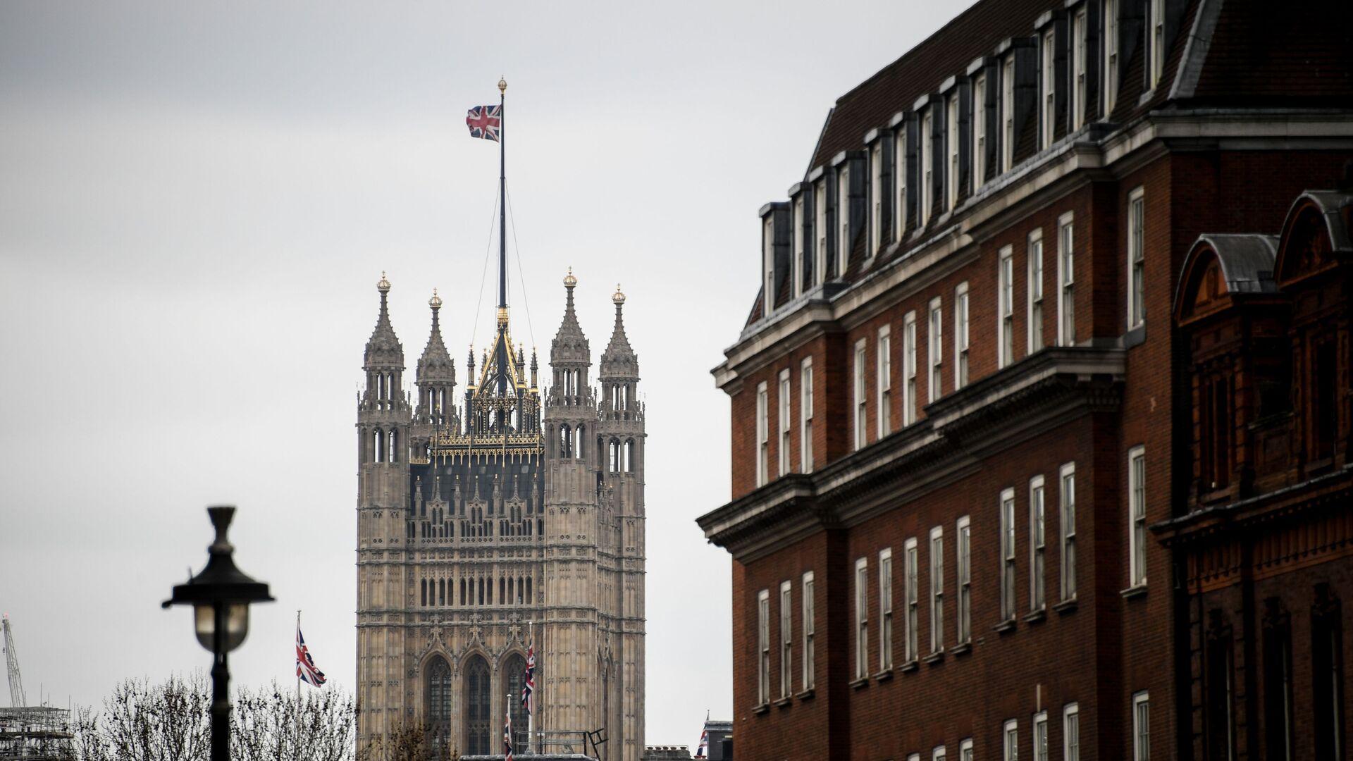 Il Palazzo di Westminster a Londra, dove si riunisce il Parlamento del Regno Unito - Sputnik Italia, 1920, 03.09.2021