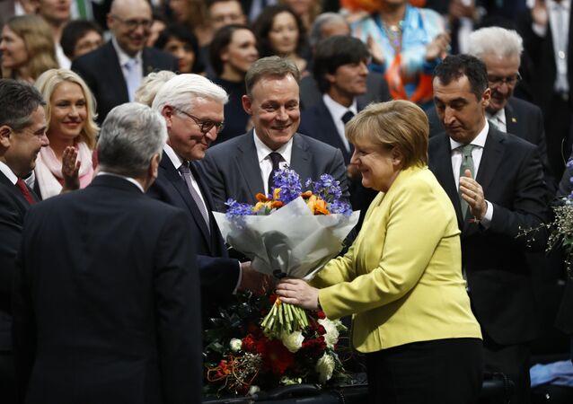 Il presidente tedesco Frank-Walter Steinmeier e il cancelliere Angela Merkel