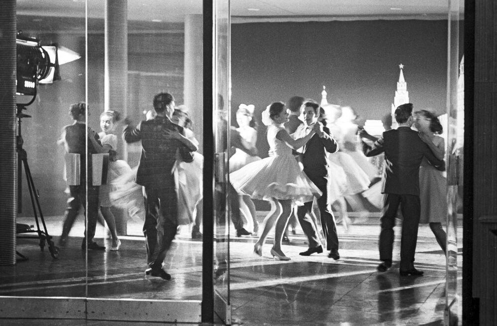 1971, un ballo altrettanto scatenato, ma al chiuso