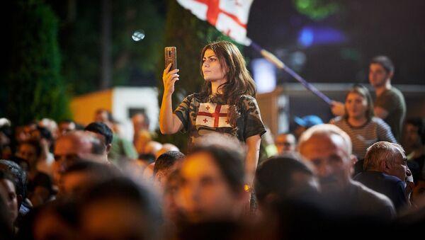 I manifestanti durante la protesta a Tbilisi, Georgia. - Sputnik Italia