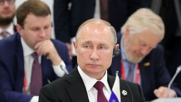 Il presidente russo Vladimir Putin al G20 di Osaka - Sputnik Italia