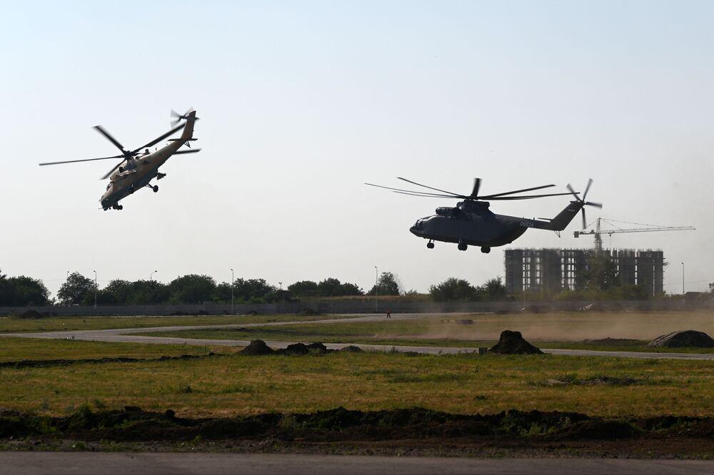 L'elicottero da trasporto militare Mil Mi-26Т2