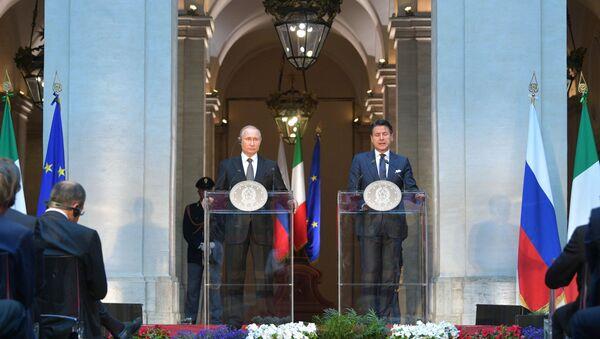 Conferenza stampa congiunta Giuseppe Conte e Vladimir Putin - Sputnik Italia