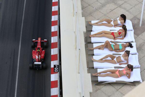Ragazze in bikini durante il Gran Prix di Montecarlo di Formula 1 - Sputnik Italia