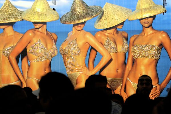 Modelle in bikini alla Kingfisher Swimsuit Special  Australia 2006  - Sputnik Italia