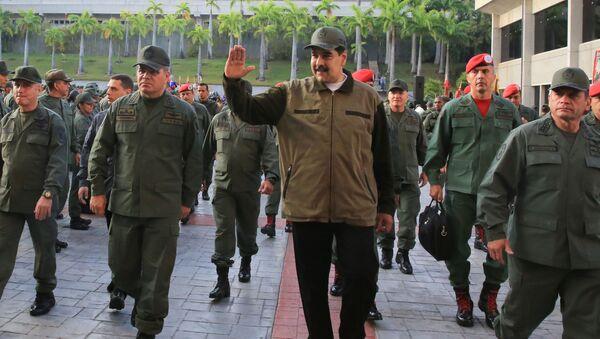 Президент Венесуэлы Николас Мадуро на военной базе в Каракасе - Sputnik Italia