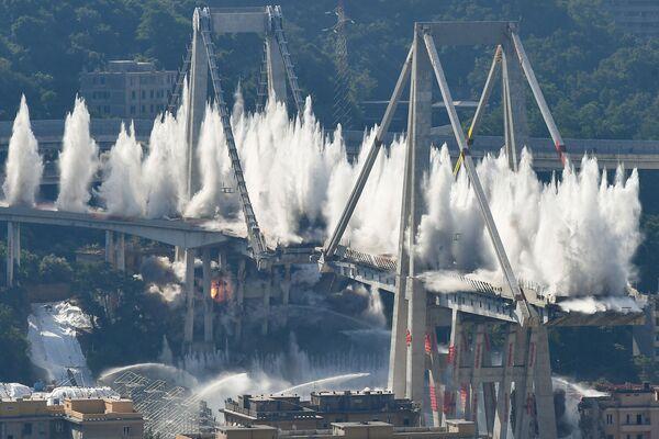 La demolizione del ponte Morandi a Genova, Italia. - Sputnik Italia