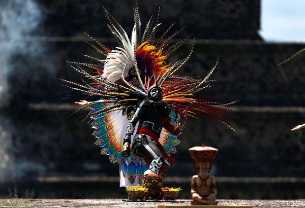 Cerimonia di accensione delle torce all'inaugurazione dei Giochi Panamericani del 2019 a Teotihuacan, in Messico. - Sputnik Italia