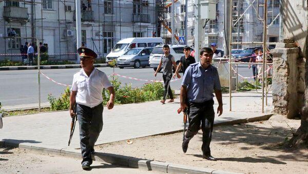 Agente di polizia a Dushanbe, Tagikistan - Sputnik Italia