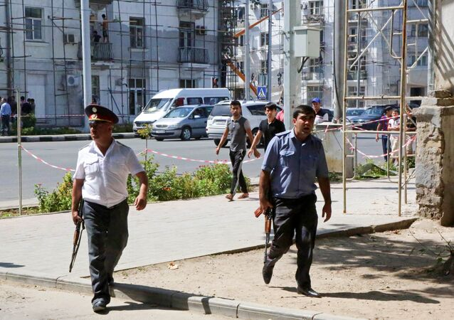 Agente di polizia a Dushanbe, Tagikistan