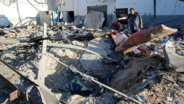 Tripoli dopo bombardamenti - Sputnik Italia