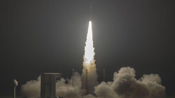 Lancio del razzo-vettore Vega dal Centro spaziale guyanese a Kourou (Guyana francese)  - Sputnik Italia