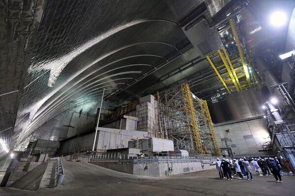 All'interno del nuovo sarcofago, il reattore 4 della centrale nucleare di Chernobyl - Sputnik Italia