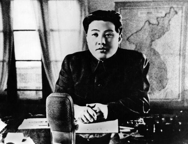 Kim Il Sung in un discorso radio annuncia l'entrata in guerra del Paese  - Sputnik Italia
