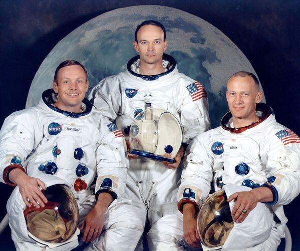 L'equipaggio dell'Apollo-11: il comandante Neil Armstrong, il pilota del modulo di comando Michael Collins ed il piloto del modulo lunare Buzz Aldrin - Sputnik Italia