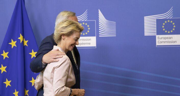 Ursula von der Leyen e Jean-Claude Juncker