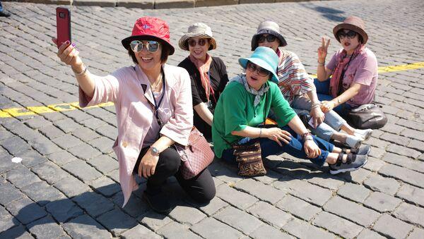 Turiste coreane a Mosca - Sputnik Italia