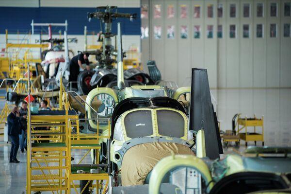 L'assemblaggio degli elicotteri Ka-52 nella fabbrica Progress - Sputnik Italia