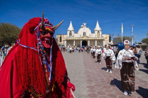 Il carnevale tradizionale La Tirana, Cile. - Sputnik Italia