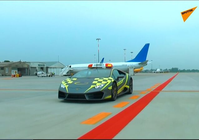 Una Lamborghini all'aeroporto di Bologna