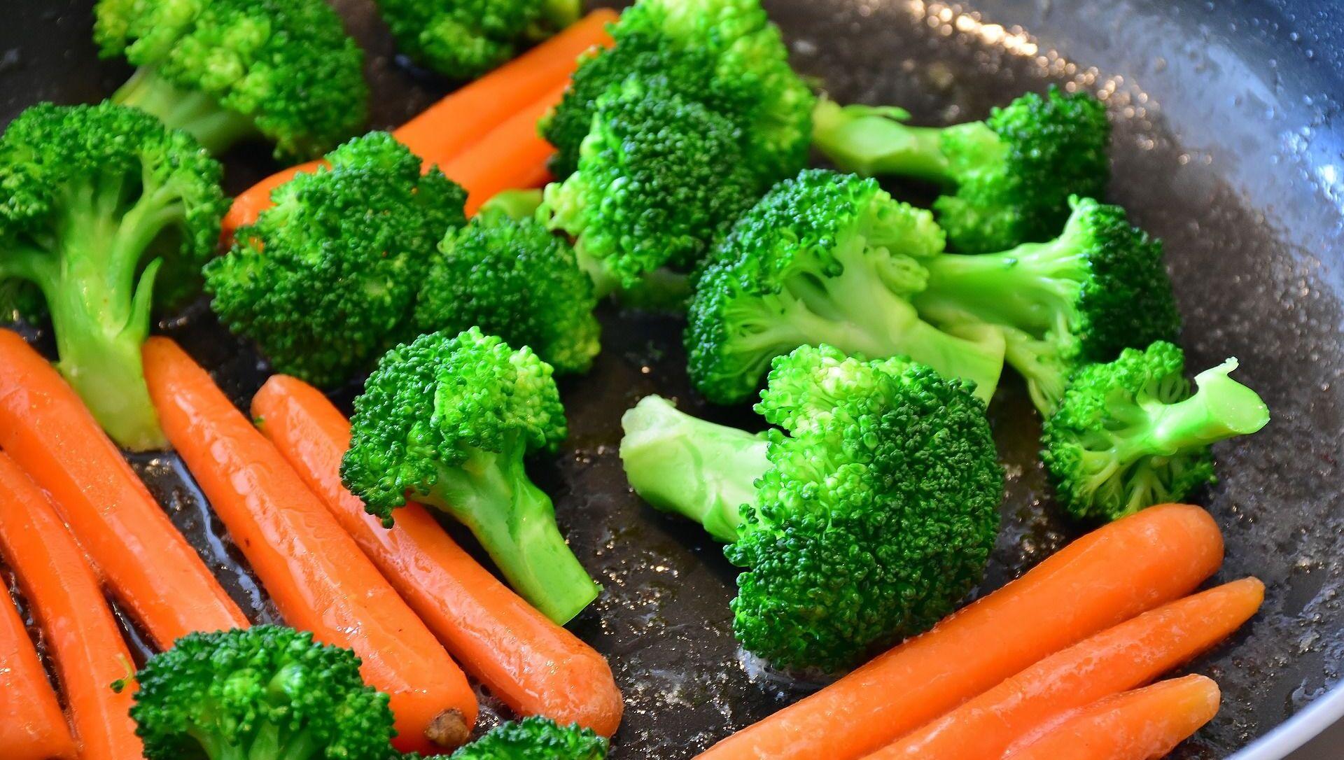 Broccoli e carote in padella - Sputnik Italia, 1920, 15.05.2021