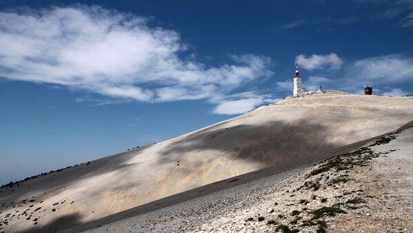 The summit of Mont Ventoux in Haute-Provence, France.  - Sputnik Italia