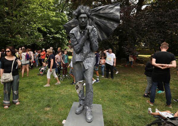 Avviso di tempesta al Festival Statues en Marche. - Sputnik Italia