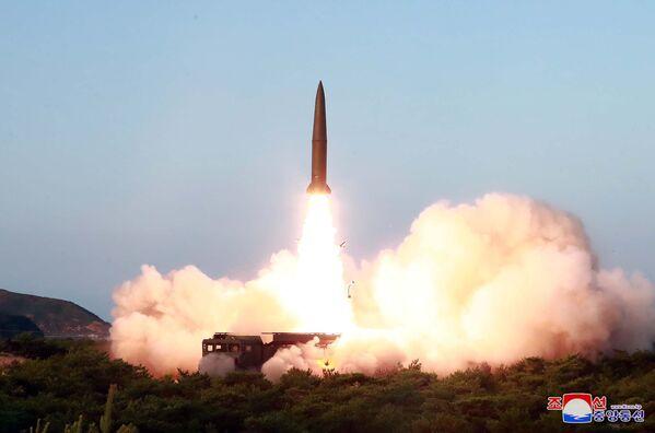 Il lancio del missile nordcoreano. - Sputnik Italia