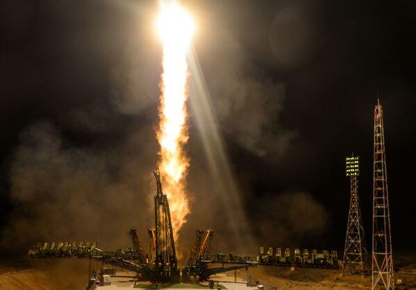 Lancio del razzo-vettore Soyuz-FG con il veicolo spaziale Soyuz MS-13 dalla piattaforma di lancio di Baikonur. - Sputnik Italia