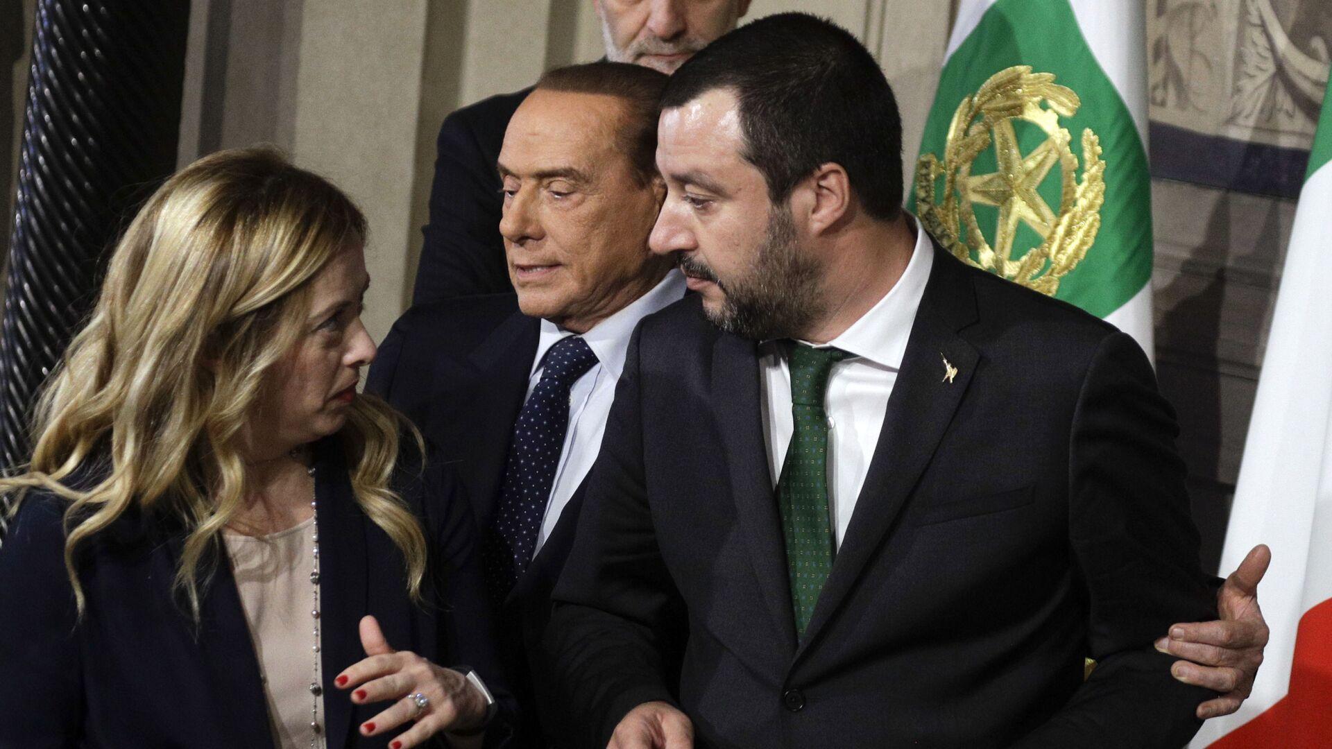 Matteo Salvini e Giorgia Meloni e Silvio Berlusconi - Sputnik Italia, 1920, 07.06.2021