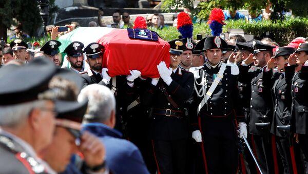 I funerali di Mario Cerciello Rega - Sputnik Italia