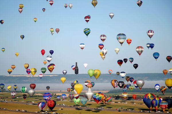 Il Lorraine Mondial Air Balloon Festival di Chambley raduna ogni due anni più di 1000 mongolfiere, 3000 piloti e 400 mila visitatori.  - Sputnik Italia