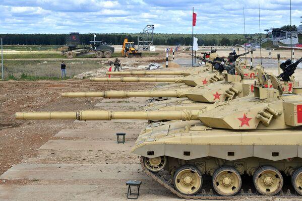 I carri armati ZTZ-99 dell'esercito cinese  - Sputnik Italia
