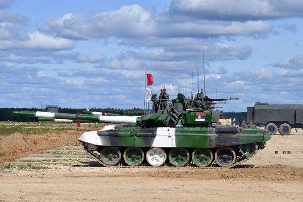 I carri armati T-72B3 della Serbia - Sputnik Italia