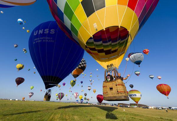 Il Lorraine Mondial Air Balloon Festival a Chambley, il raduno di mongolfiere più grande al mondo. - Sputnik Italia